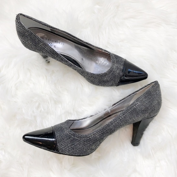 Anne Klein Shoes - Anne Klein pointed toe heels blk & gray size 7.5